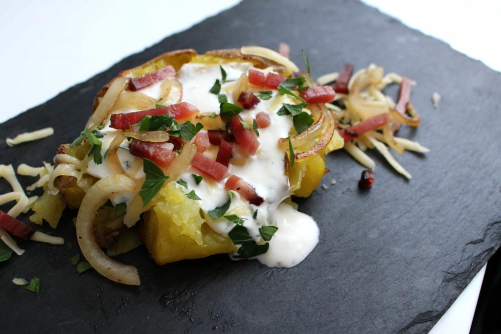 ofenkartoffel-speck-zwiebel