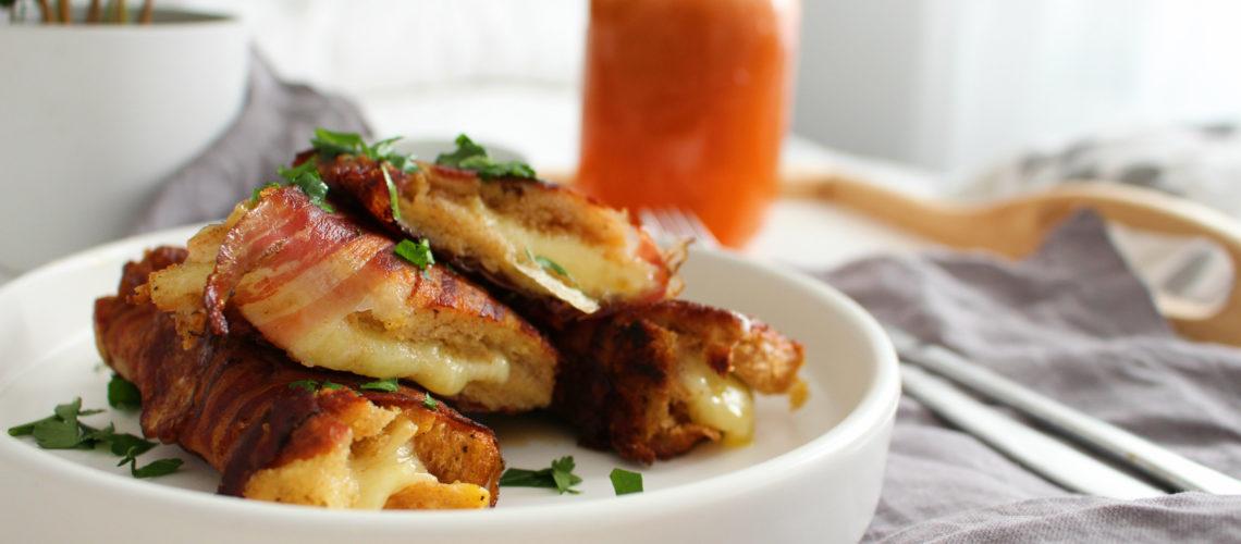 Knusprige Toast Rollen mit Speck und Käse