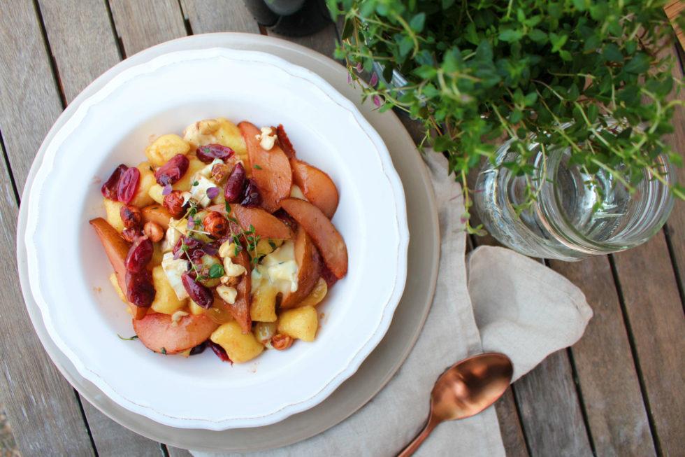 Gnocchi mit beschwipsten Trauben, Birnen & Cambozola